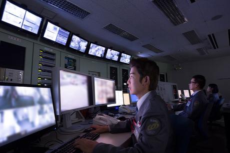 第一級陸上特殊無線技士または第一級陸上無線技術士の資格お持ちの方限定のお仕事です。